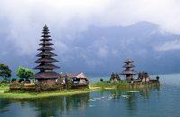 В Индонезии вводят туристические услуги в соответствии с шариатом