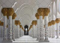 Мечеть шейха Зайеда в Абу Даби вошла в число лучших достопримечательностей мира