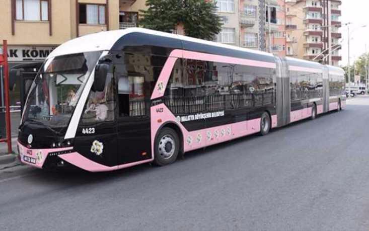 Троллейбус для женщин, Турция